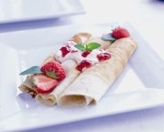 Pandekager med jordbærcreme