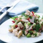 Radise-fennikelsalat med kalkun og cashewnødder
