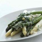 Grillede asparges med rucolapesto