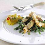 Kalkun med thaigrønt og ferskensalsa
