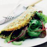 Urteomelet med salat