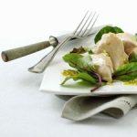 Salat med røget_kylling og passionsfrugtsalat